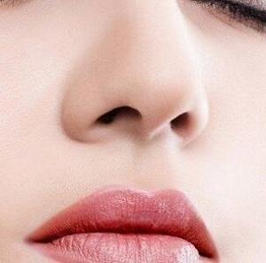 做膨体隆鼻手术可能会有哪些副作用