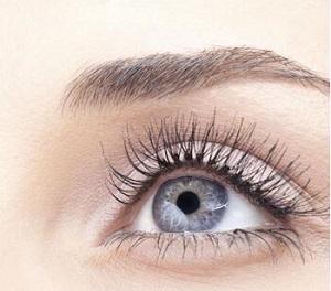 玉林割双眼皮怎么避免术后出现并发症的情况3